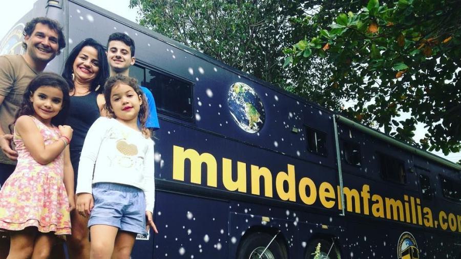 Família vende tudo e decide viajar o mundo em ônibus