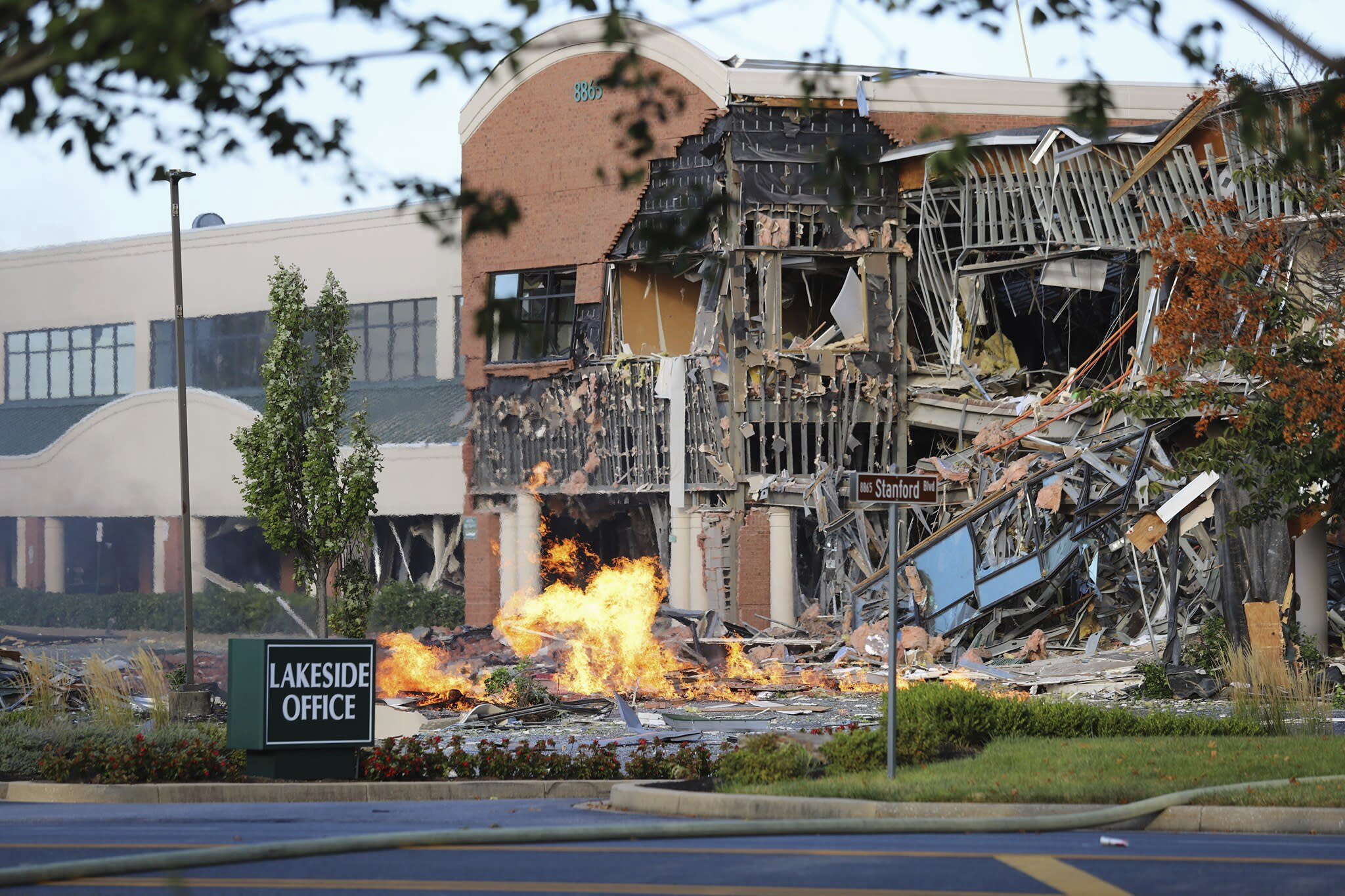 Gas explosion in Maryland badly damages shopping centre