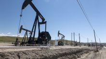 Oil Sinks on Dollar Strength Amid Broader Commodity Selloff