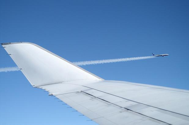 Europe lets airlines operate 3G and LTE services during flights
