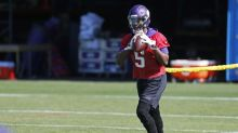 Teddy Bridgewater posts pictures of workouts without knee brace