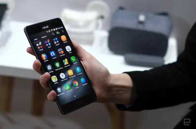The ZenFone AR feels better than it should