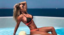 De férias na Grécia, mulher de Justus sensualiza no Instagram