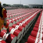 Crude Oil Prices Near 3-Week Highs on Bets for Bullish U.S. Supply Data