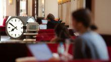 FOTOS | Las cafeterías de Viena se convierten en bibliotecas para estudiantes mientras permanecen cerradas por la pandemia