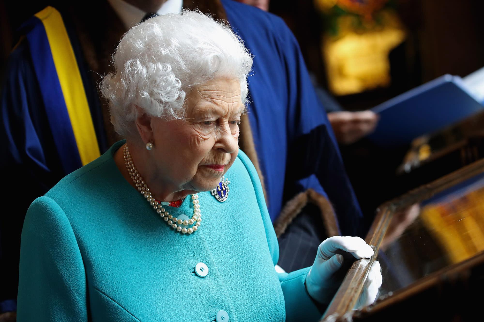 queen elizabeth ra speech Queen elizabeth speech to the troops and tilbury  alliteration  alliteration  anadiplosis  juxtaposition  anaphora  anaphora  anaphora  metaphor  anadiplosis.