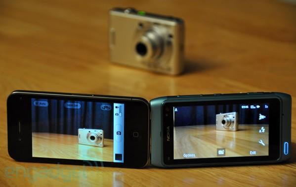 Nokia N8 vs. iPhone 4: camera showdown