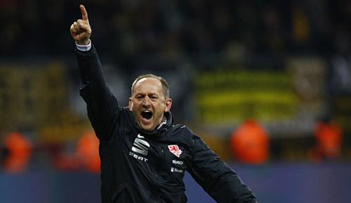 2. Liga: Lieberknecht sieht Druck bei 96 und Stuttgart