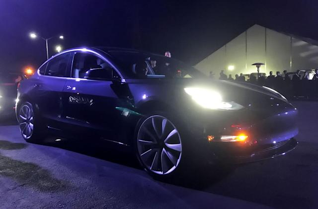EPA confirms Tesla's Model 3 has a range of 310 miles