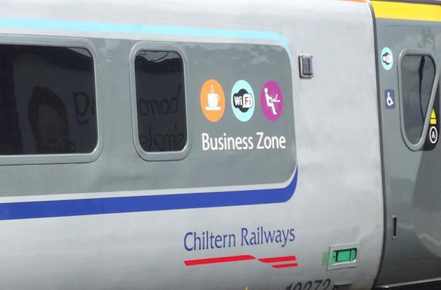 UK government promises free WiFi on trains by 2017