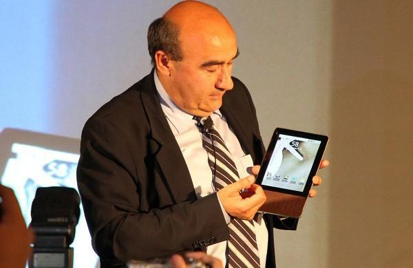 Acer CEO teases 7-inch Android tablet, promises it for Q4 2010