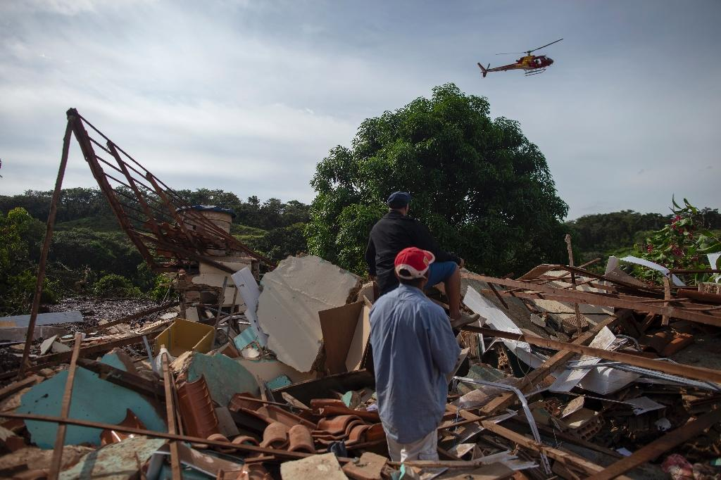 Search resumes at Brazil mine disaster site - news.yahoo.com