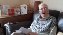 Community support officer surprises 90-year-old veteran by cleaning and decorating his home