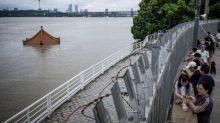 La Chine fait face à des inondations historiques, plus de 140 disparus