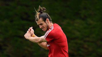 Real Madrid star Gareth Bale: Stephen Curry plays golf on game day but I can't two days before!