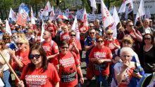 Polish teachers rally to demand wage hikes