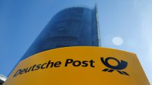 Deutsche Post eyes strong Christmas, confirms 2017 earnings goal