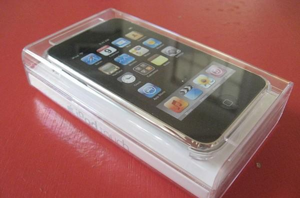 iPod touch 2G unboxing, hands-on, and first impressions