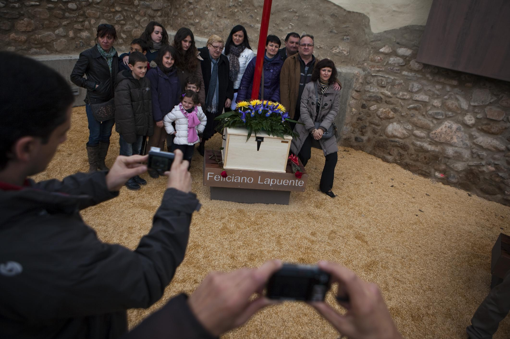 Northern Spanish town buries mayor killed in 1936