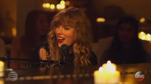 Taylor Swift premieres new song 'New Year's Day' during airing of 'Scandal'