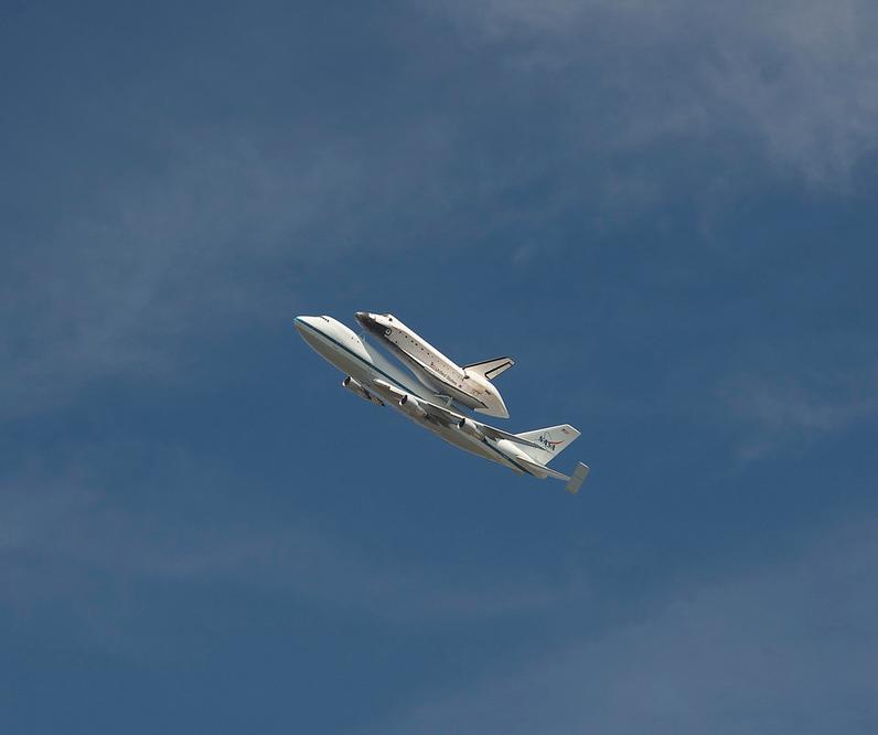 Space Shuttle Endeavour fly-over of NASA-JPL (Pasadena, CA). Photo courtesy of @tajchiu