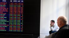 Aust shares remain in negative territory