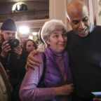 Cory Booker tests 2020 waters with early dip into New Hampshire