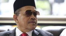 'Child molester', 'bangsat' exchanges in Parliament