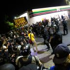Portland police, protesters clash for 2nd consecutive night