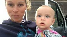Mãe critica companhia aérea após comissário pedir que ela parasse de amamentar seu bebê
