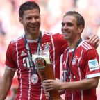 Bayern bids adieu to Lahm, Alonso in beer-filled celebration
