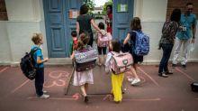 Reconfinement: les écoles, collèges, lycées et certains services publics devraient rester ouverts