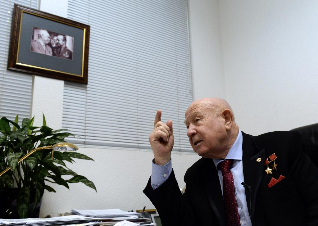 Soviet cosmonaut Alexei Leonov gestures during his interview with AFP in Moscow on March 16, 2015 (AFP Photo/Vasily Maximov)