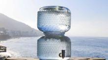 Beber agua 'cruda', una nueva moda que puede poner en riesgo la salud