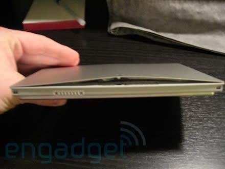 Swollen batteries affecting 17-inch MacBook Pros too?