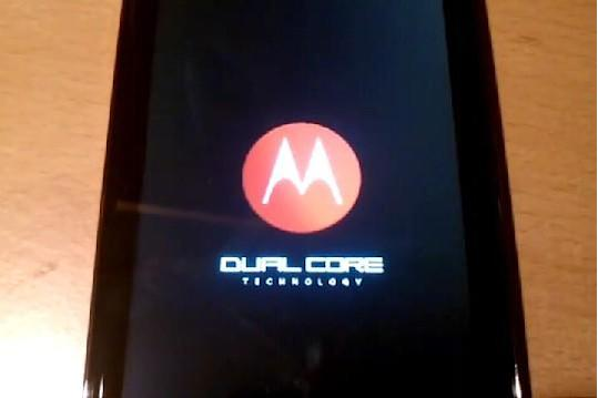 Droid Bionic teases boot sequence, LTE prowess to anxious onlookers (video)