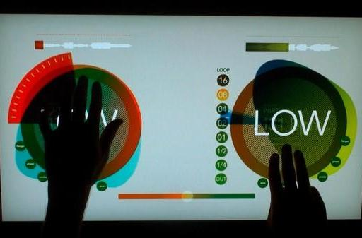 Multitouch DJ table lets you swipe to rock