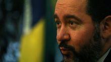 CORREÇÃO-ENTREVISTA-BNDES quer mais mudanças em governança da JBS, criará fundos