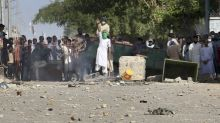4 killed in Pakistan in clashes between police, Islamists