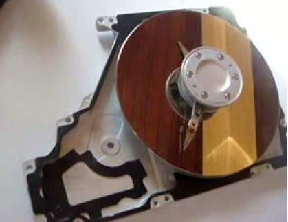 Hard drive clock combines endless march of time, inevitable data loss