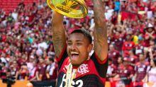 A tatuagem de Vitinho, do Flamengo, que homenageia e emociona a Chapecoense