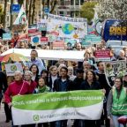 Climate groups take on Shell in landmark Dutch case