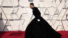 """Oscar 2019: Ator vai de vestido e afirma: """"Empoderador"""""""