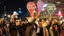 En Israël, les opposants au Premier ministre Benyamin Nétanyahou veulent rester mobilisés malgré le reconfinement
