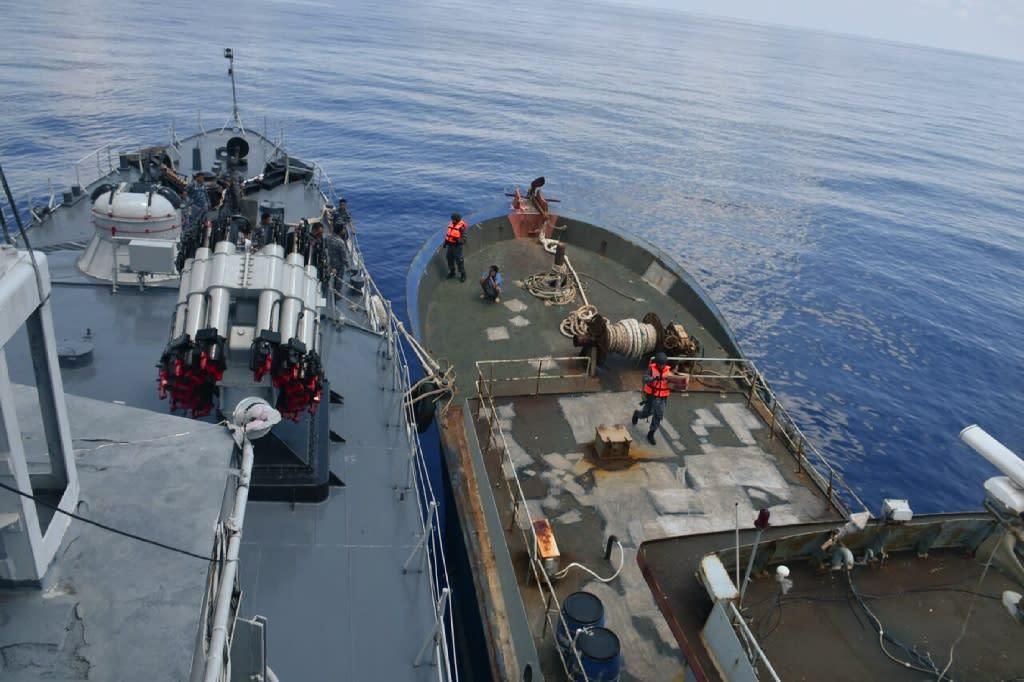 The Indonesian Navy on patrol around the Natunas islands (AFP Photo/HANDOUT)