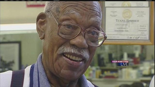 Barber isn't ready to quit, even after 76 years