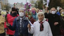 Belarus ramps up crackdown on protests, detains over 700