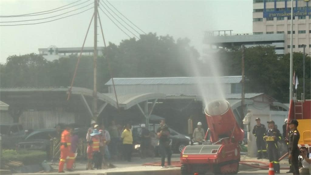 「曼谷撒水抗霾」的圖片搜尋結果
