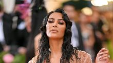 La maravillosa peluca de Kim Kardashian para presumir de 'pelazo'