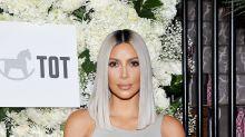 Kim Kardashian presume de caderas y cinturita